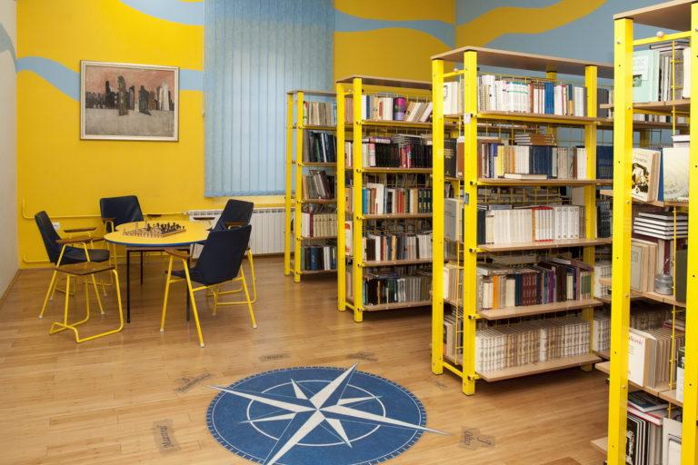 Pomorska škola knjižnica dizajn interijera (13)